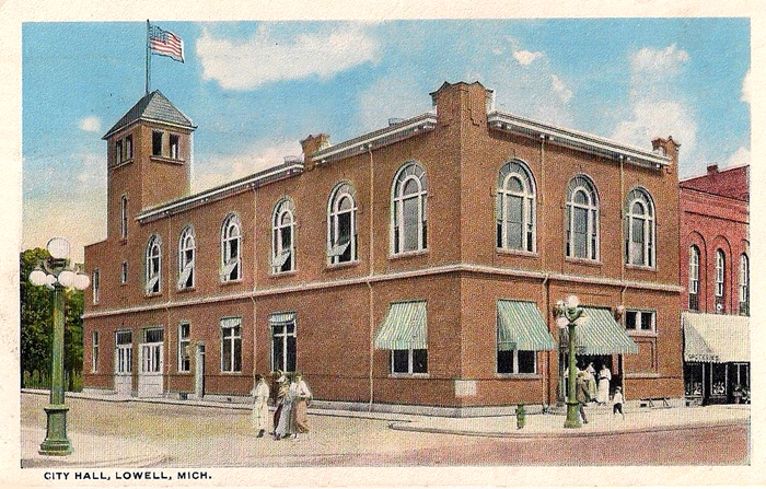 1917-Lowell-City-Hall-With-Awnings-Lowell-Michigan