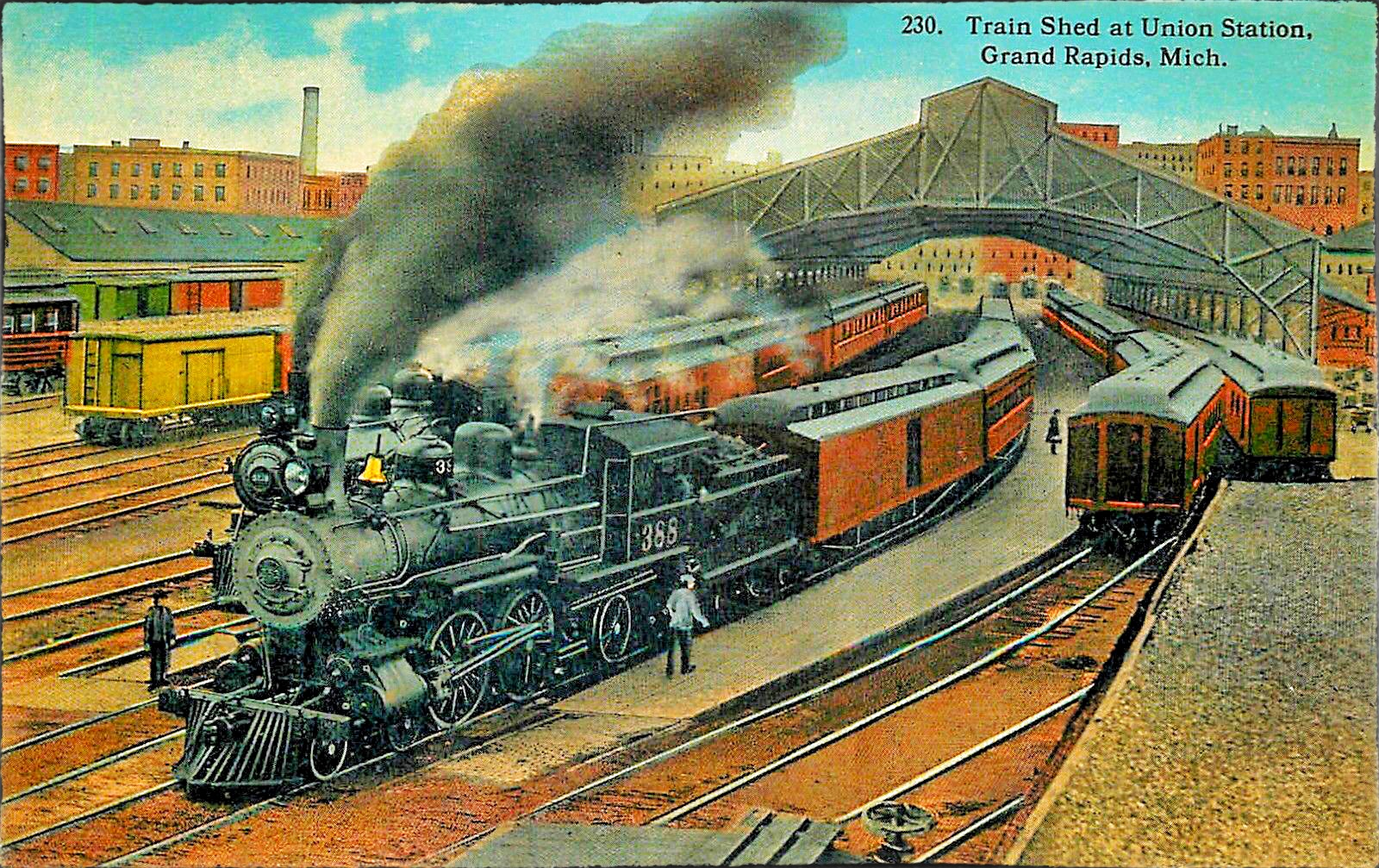 Grand-Rapids-Michigan-Train-Shed-at-Union-Station-Locomotive-388-1915