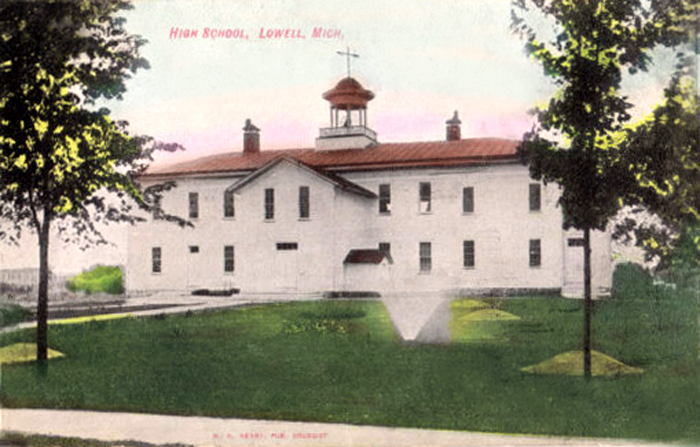 LOWELL-MICHIGAN-OLD-VIEW-UNION-HIGH-SCHOOL