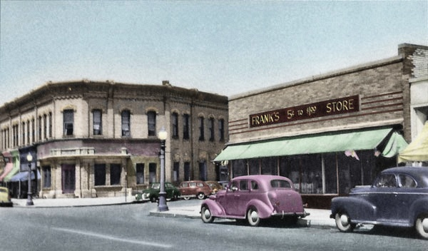 Lowell, Michigan in 1929 Franks 5 Cent & Dollar Store
